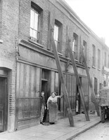Bidder Street, Canning Town. 14 Oct 1924.