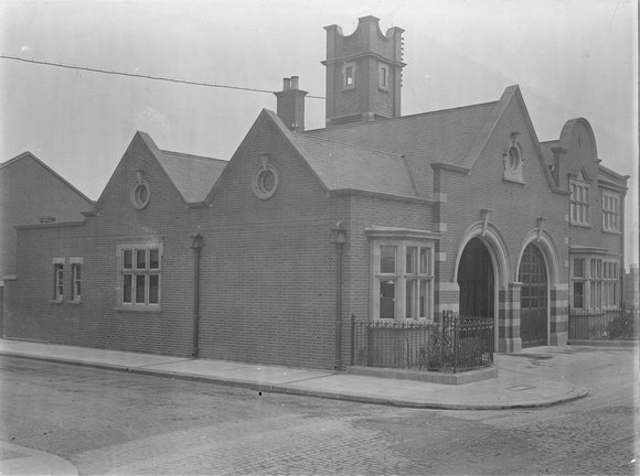 Silvertown Fire Station. 1917.